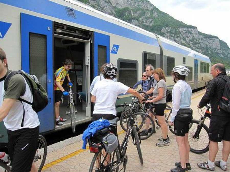 Petizione. Vogliamo il trasporto bici sui treni per Calalzo.