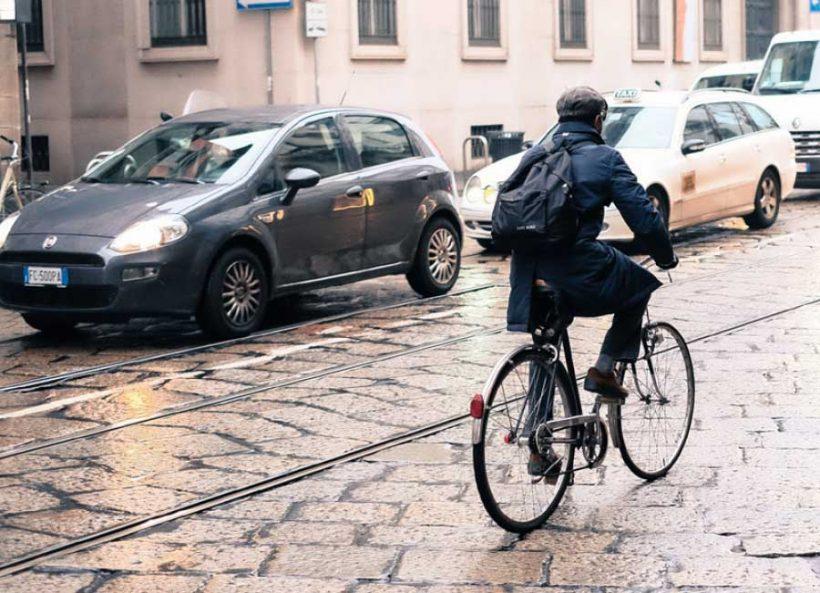 FIAB Genova, disponibile la terza edizione del Manuale del ciclismo urbano