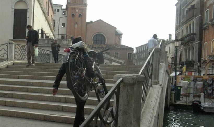 Come è triste Venezia… senza bicicletta