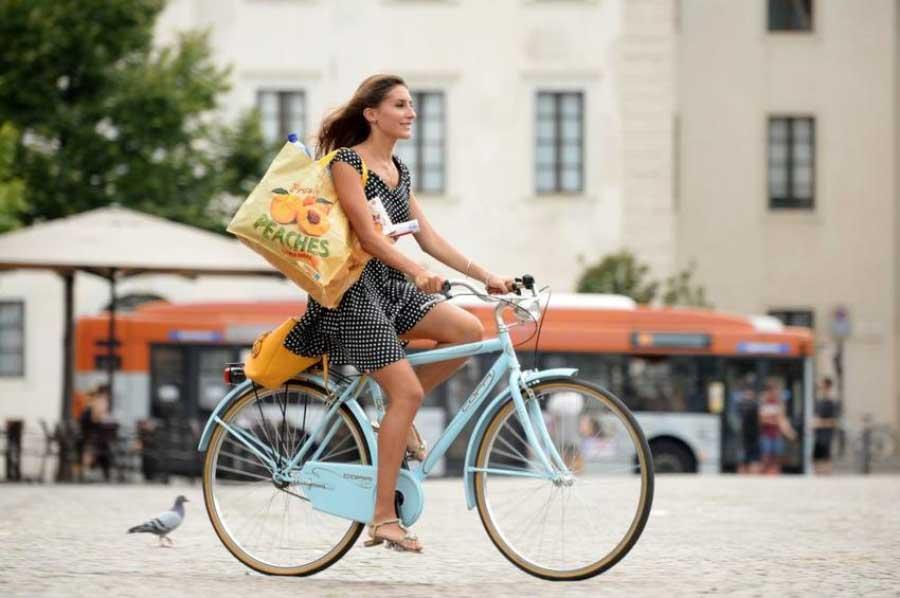 Shopping in bici: il migliore amico del centro città