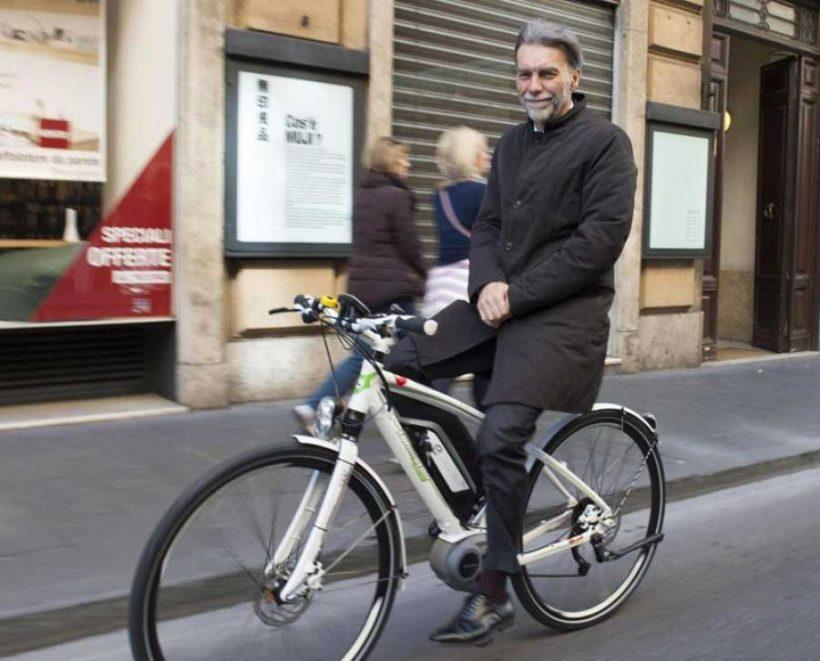 Al lavoro in bicicletta con il Ministro Delrio