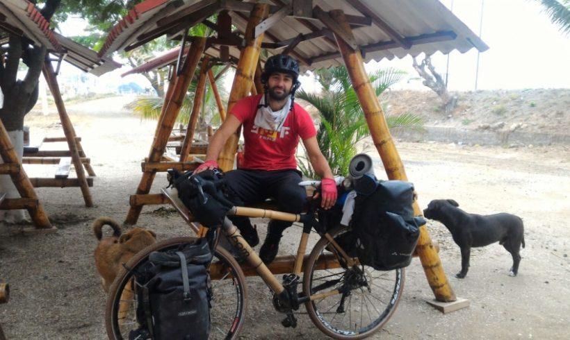 5000 km con una bici in bambù contro la plastica nei mari