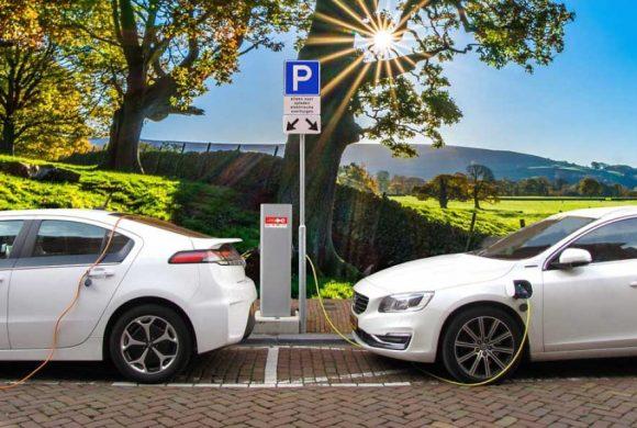 Siano pur elettriche … ma di meno