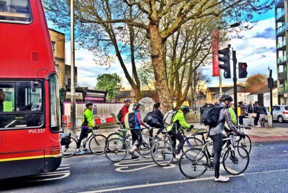 A Londra ciclisti in maggioranza: nella City è così nelle ore di punta