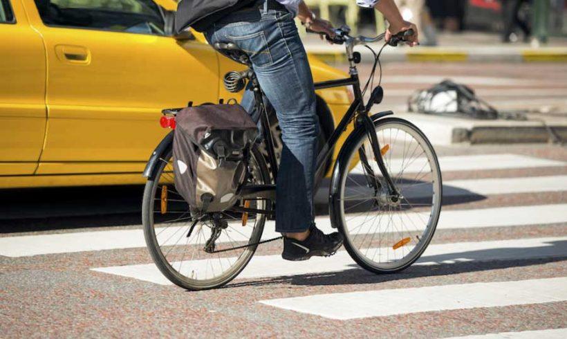 """Bike2Work: FIAB lancia il sondaggio nazionale  """"In bici al lavoro: come e perché"""""""