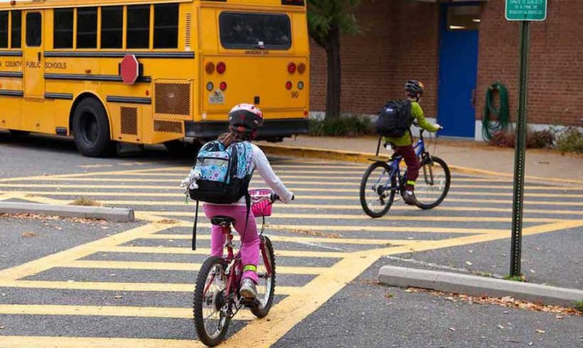 """La """"bike library"""" di Glasgow: il comune vuole regalare 1400 bici alle scuole elementari"""