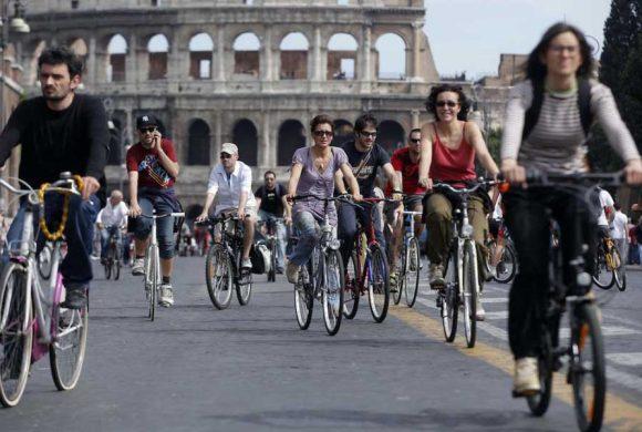 L'uomo non vive di solo pane. E la ciclabilità non vive di sole ciclabili.