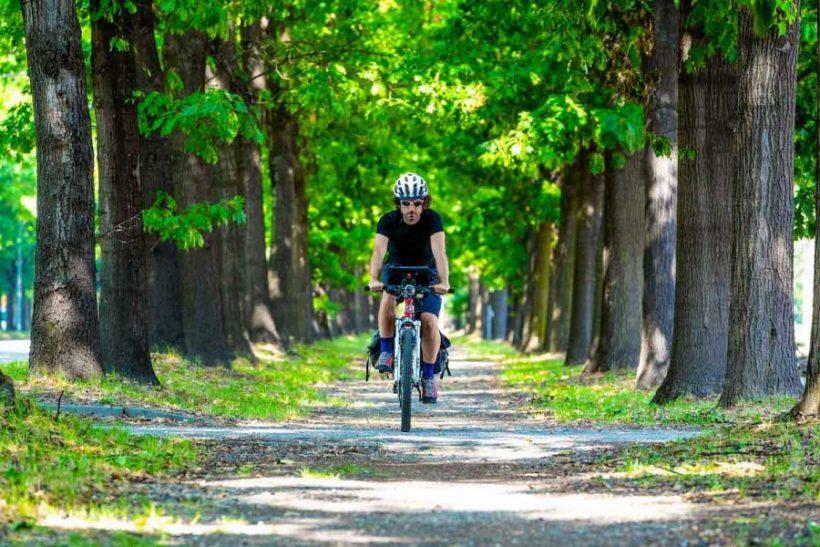 """Veni, vidi, by bici: """"l'uomo, la Terra"""""""