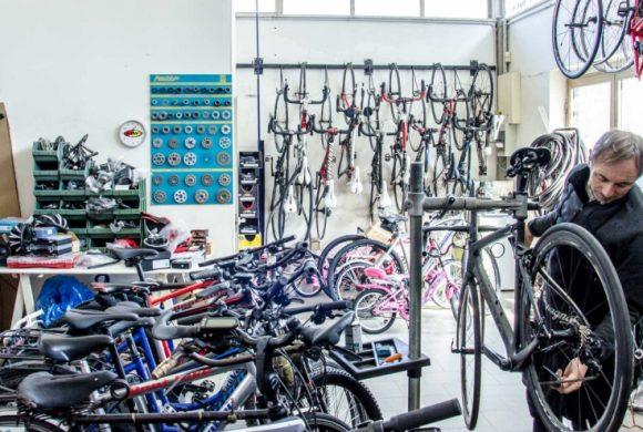 FIAB al Governo: ciclofficine e ciclisti non devono chiudere. Sono attività necessarie