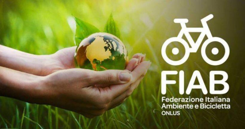 """La Giornata Mondiale della Terra con FIAB. Perché bici e ambiente """"pedalano"""" insieme"""