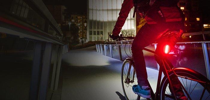 Ciclisti illuminati: come attrezzarsi. Tutto in una tesi di laurea