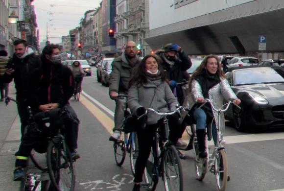 """""""Dare strada alle biciclette"""": il vademecum del Centro Studi FIAB per i comuni"""